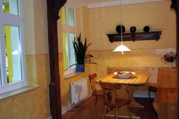 ferienwohnung berlin bilder des apartment fremdenzimmer in berlin. Black Bedroom Furniture Sets. Home Design Ideas